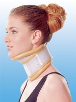 CERVICAL COLLAR WITH CHIN