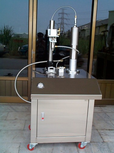 AEROSOL SEMI-AUTOMATIC LIQUID FILLING MACHINE