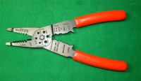 Cens.com 8-1/4 WIRE STRIPPER AND CRIMPER KAO HUI INDUSTRY CO., LTD.