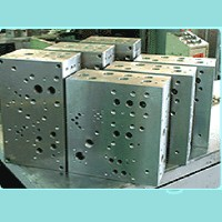 Cens.com Manifold Blocks-Traditional mode CHYN RONG MACHINERY INDUSTRIAL CO., LTD.