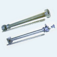 Extruder screw rods and barrels