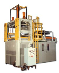 Double-Shuttle Vacuum Forming Machine