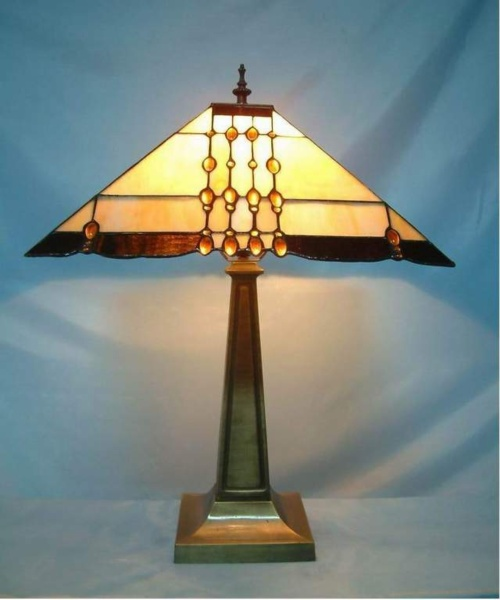 Stained Glass Geometrical Pattern Table Lamp