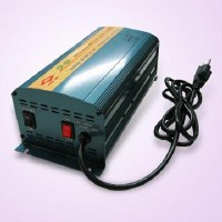Multi-Protection Three Stage Battery Charger, Flooded or Gel Battery Type Selectable