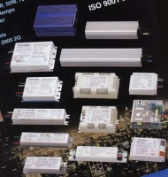 Digital Electronic Ballasts for HID Lamps