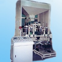 Fully automatic box enecting weighing and reentry packaging machine